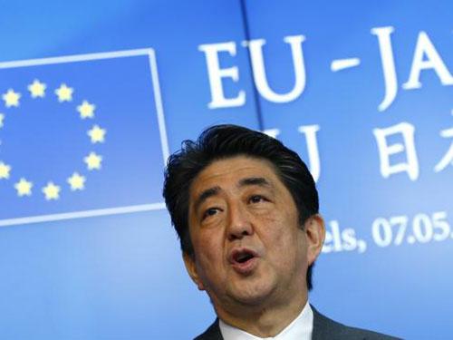 Thủ tướng Nhật Bản Shinzo Abe muốn Tokyo có quyền phòng thủ tập thể Ảnh: REUTERS