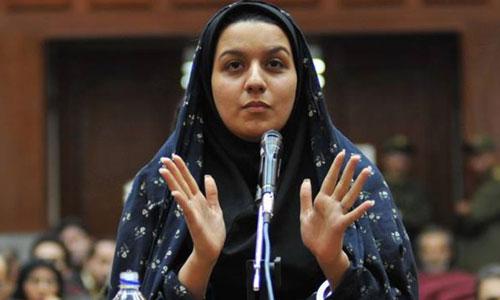Reyhaneh Jabbari tự bào chữa trong phiên tòa đầu tiên tại Tehran Ảnh: THE WASHINGTON TIMES