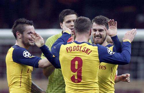 Màn trình diễn chói sáng của Podolski ở Champions League là động lực giúp Arsenal hướng đến mục tiêu đánh bại Newcastle Ảnh: REUTERS
