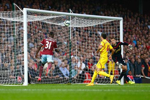 Thủ môn Mignolet của Liverpool đã để lọt lưới 8 bàn sau 5 vòng đấu Ảnh: REUTERS