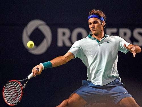 Quyết tâm duy trì phong độ đỉnh cao của Federer khiến nhiều người thán phục  Ảnh: REUTERS