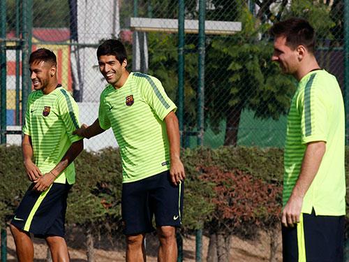 Với sự xuất hiện của Suarez (giữa), Neymar và Messi có thêm cơ hội để phá lưới RealẢnh: REUTERS