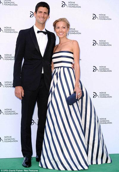 Djokovic và bạn gái dự một sự kiện Ảnh: Daily Mail