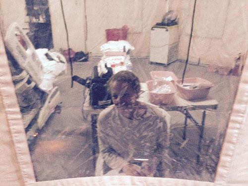 Nữ y tá Kaci Hickox đang bị cách ly  Ảnh: NY DAILY NEWS