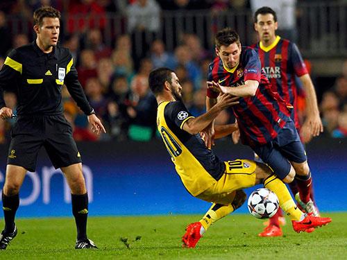 Được tăng lương 20 triệu euro/mùa, Messi sẽ có thêm động lực giúp Barca chiến thắng Ảnh: REUTERS