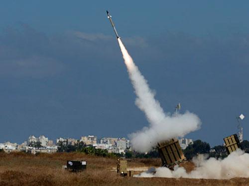 Hệ thống phòng thủ tên lửa Vòm Sắt của Israel. Ảnh: Reuters