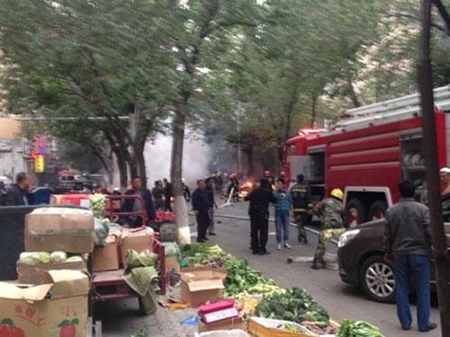 Vụ tấn công sáng 22-5 tại Tân Cương làm 31 người thiệt mạng. Ảnh: WEIBO