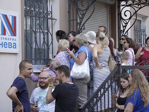 Neva - công ty du lịch lâu đời nhất ở St. Petersburg - đã tuyên bố ngừng hoạt động từ giữa tháng 7  Ảnh: RIA NOVOSTI