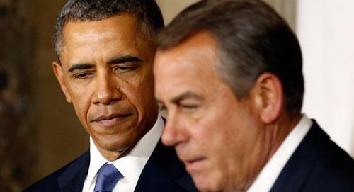 Chủ tịch Hạ viện John Boehner (phải) đứng đầu vụ kiện Tổng thống Barack Obama Ảnh: REUTERS
