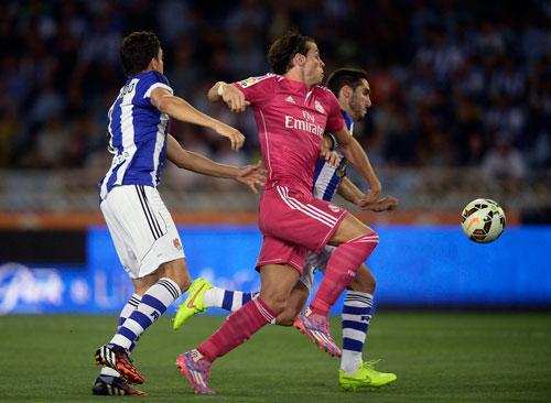 Nếu C.Ronaldo không sung sức, Real Madrid sẽ phụ thuộc nhiều vào phong độ của G. Bale (giữa)  Ảnh: REUTERS