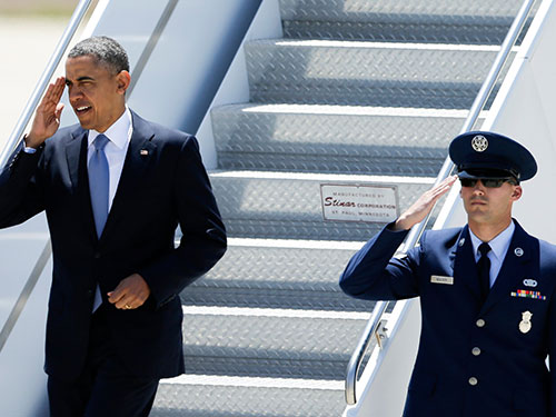 Tổng thống Barack Obama đến San Diego dự một sự kiện gây quỹ ngày 8-5 Ảnh: AP