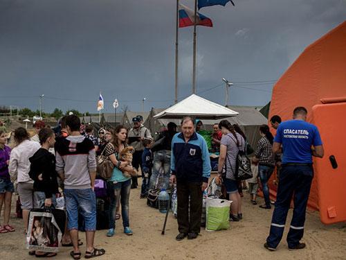 Người tị nạn Ukraine tại một trại tạm cư trên lãnh thổ Nga  Ảnh: RIA NOVOSTI