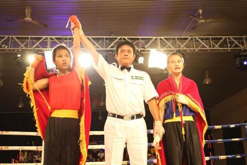 Võ sĩ Huỳnh Mai Ngân Thúy (TP HCM) chiến thắng ở hạng cân 51 kg nữ