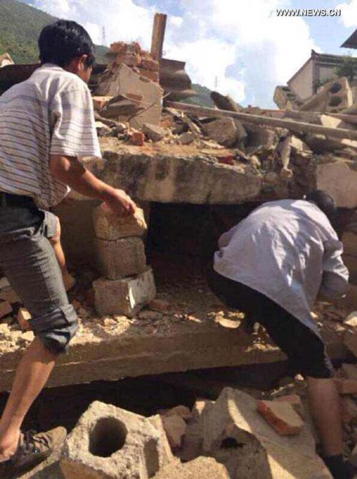 Quang cảnh đổ nát sau động đất Ảnh: THX
