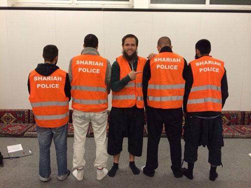 """Nhà chức trách Đức lo ngại trước sự xuất hiện của một nhóm tự xưng là """"cảnh sát đạo Hồi"""" Ảnh: BREITBART"""