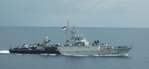 Tàu Indonesia tham gia tập trận hải quân Komodo 2014 vào cuối tháng 3 vừa quaẢnh: koarmabar.tnial.mil.id
