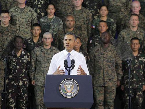 Tổng thống Mỹ Barack Obama phát biểu trước binh lính Mỹ và Philippines hôm 29-4Ảnh: GMA News