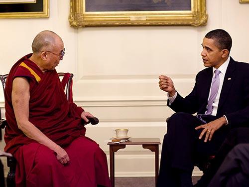 Tổng thống Barack Obama tiếp Đạt Lai Lạt Ma hồi tháng 7-2011 Ảnh: WIKIPEDIA