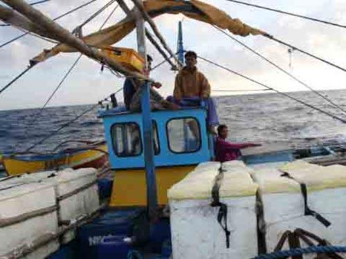 Tàu cá Philippines ở biển Đông Ảnh: CNN