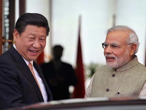 Thủ tướng Ấn Độ Narendra Modi và Chủ tịch Trung Quốc Tập Cận Bình hôm 17-9 Ảnh: INDIA TODAY