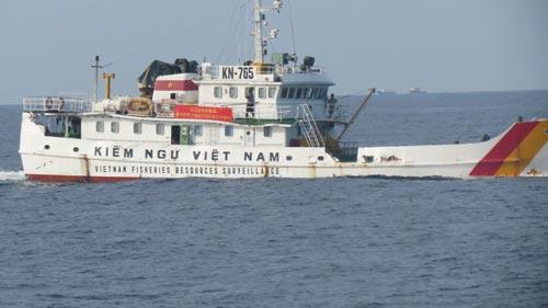 Lực lượng kiểm ngư vẫn đang kiên cường đấu tranh yêu cầu Trung Quốc rút giàn khoan Hải Dương 981. (Ảnh do Cục Kiểm ngư cung cấp)