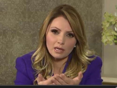 Đệ nhất phu nhân Mexico Angelica Rivera khẳng định tự bỏ tiền túi mua dinh thự. (Ảnh từ video trên trang web cá nhân của bà Rivera)
