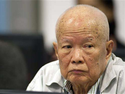 Chỉ có Khieu Samphan xuất hiện tại phiên tòa ngày 30-7 ở Phnom Penh Ảnh: AP