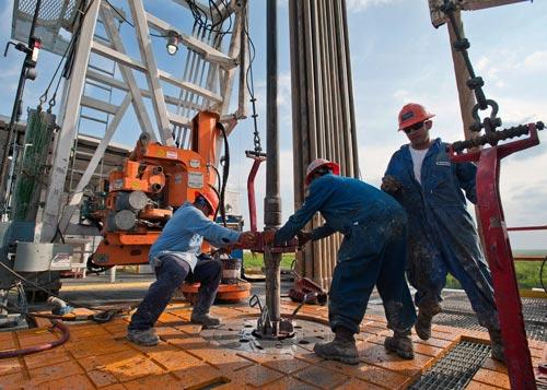 Lần đầu tiên kể từ năm 1983, sản lượng dầu của Mỹ vượt 9 triệu thùng/ngày trong tháng 11 năm nay Ảnh: BLOOMBERG