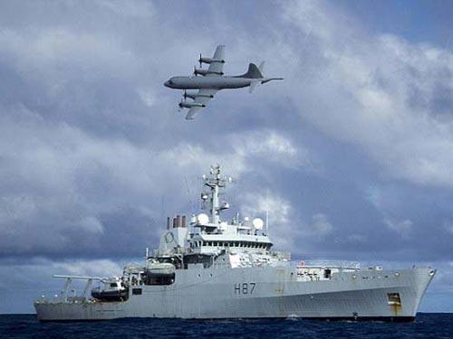 Máy bay Lockheed P-3 Orion tham gia tìm kiếm chiếc máy bay mất tích MH370 của Malaysia Ảnh: PA