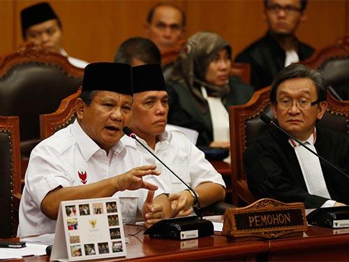Ông Prabowo Subianto phát biểu tại Tòa án Hiến pháp Indonesia hôm 6-8 Ảnh: Reuters