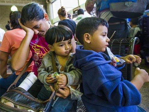 Người nhập cư bất hợp pháp ở miền Nam bang Texas Ảnh: USA TODAY