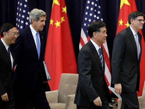 Các quan chức Mỹ và Trung Quốc tham dự Đối thoại chiến lược và kinh tế ở Washington hồi tháng 7-2013 Ảnh: REUTERS