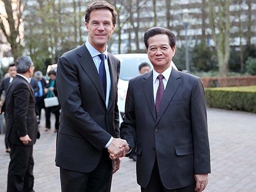 Thủ tướng Nguyễn Tấn Dũng gặp Thủ tướng Hà Lan Mark Rutte ngày 25-3 Ảnh: TTXVN