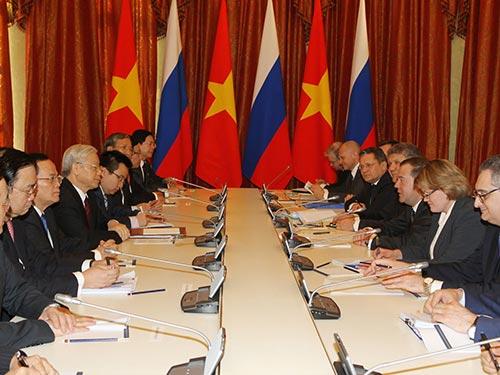 Tổng Bí thư Nguyễn Phú Trọng hội kiến với Thủ tướng Liên bang Nga Dmitry Medvedev Ảnh: TTXVN