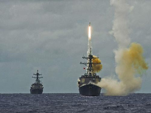 Tàu chiến Mỹ tham gia cuộc tập trận Lá chắn quả cảm 2014 Ảnh: Pacom.mil