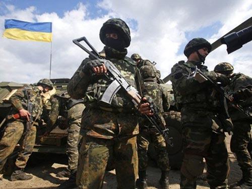 """Quân đội Ukraine tiếp tục chiến dịch """"chống khủng bố"""" ở miền Đông nước này Ảnh: OBOZREVATEL"""