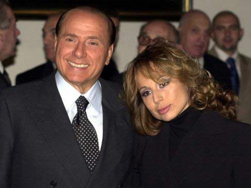 Ông Silvio Berlusconi và con gái Marina  Ảnh: intelligonews.it