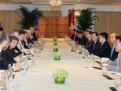 Chủ tịch nước Trương Tấn Sang tọa đàm với các tập đoàn của Mỹ vào chiều 9-11 tại Bắc Kinh trong chuyến sang Trung Quốc dự Hội nghị APEC 22 Ảnh: TTXVN