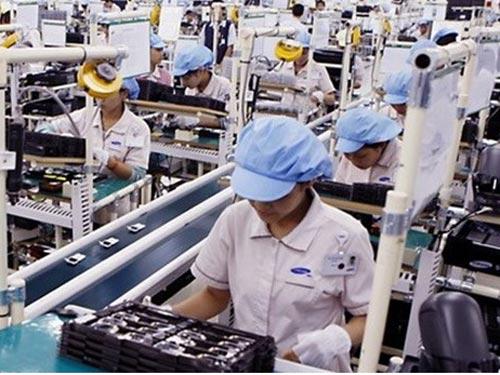 Mong muốn lớn nhất của công nhân là đượclàm việc trong môi trường vệ sinh, an toàn; được trả lương tương xứng sức lao động, bảo đảm phúc lợi.