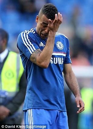 Cole bật khóc khi không thề giúp Chelsea vô địch mùa này