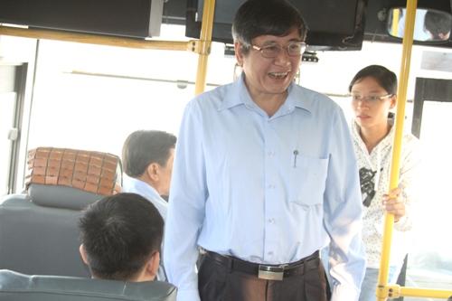 Ông Trần Thanh Hải, Phó Chủ tịch thường trực LĐLĐ Việt Nam chúc tết anh chị em công nhân