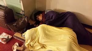 Cảnh Việt Hương và Cẩm Ly ngủ làm nhiều khán giả bức xúc