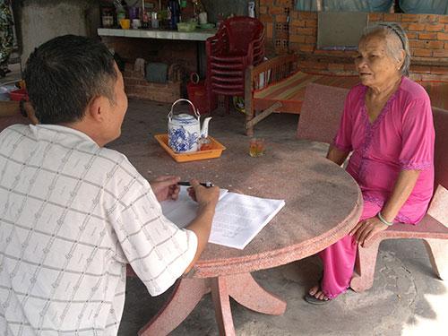 Bà Nguyễn Thị Lâm kể lại những tháng ngày đau khổ trong vòng lao lý Ảnh: Thành Danh