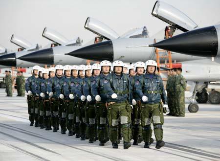 Quân đội Trung Quốc có quân số đông và khả năng triển khai rộng. Ảnh: China Daily
