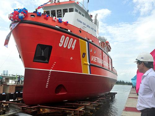 Tàu cảnh sát biển 9004 có thể hoạt động trên biển ở mọi điều kiện thời tiết