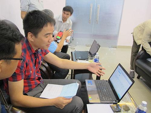 Nhân viên ga Sài Gòn và FPT túc trực để giải quyết sự cố cho hành khách