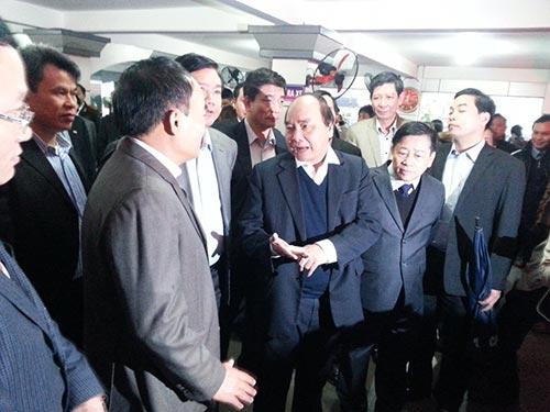 Phó Thủ tướng Nguyễn Xuân Phúc yêu cầu lực lượng thanh tra giao thông phải mặc thường phục đi taxi để nắm bắt tình hình
