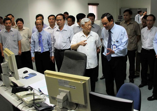 Tổng Bí thư Nguyễn Phú Trọng cùng đoàn công tác của trung ương thăm cơ sở mới của Bệnh viện Đa khoa TP Cần Thơ