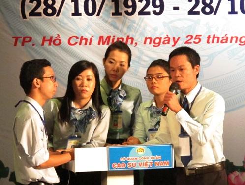 """Đoàn viên tham gia hội thi """"85 năm truyền thống ngành cao su Việt Nam"""""""