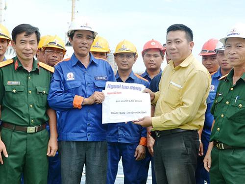 Đại diện Báo Người Lao Động đã trực tiếp đến Tổng Công ty Sông Thu Ảnh: BÍCH VÂN